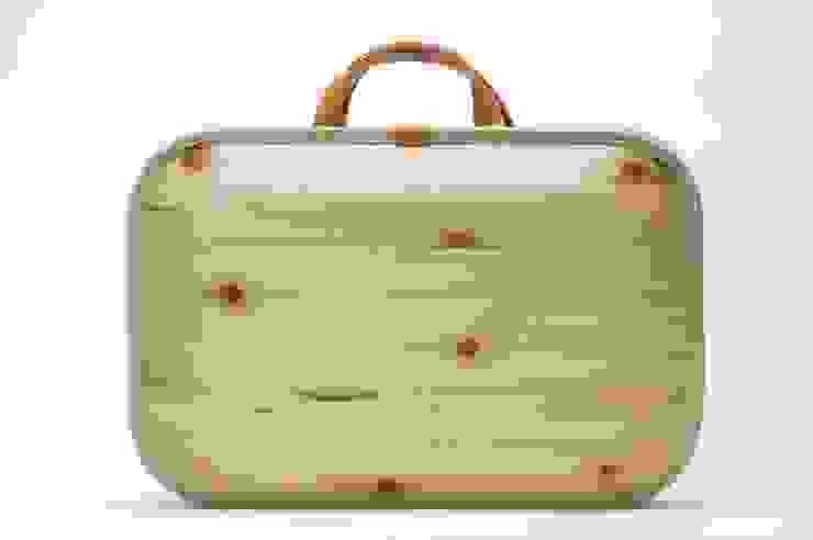 monacca bag-kaku plain: QURZ INC.が手掛けた現代のです。,モダン