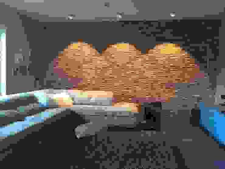 Holz Wandverkleidung Wohnzimmer mit Beleuchtung: modern  von BS - Holzdesign,Modern