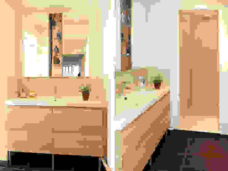 Modern bathroom by EC Architecture Intérieure Modern