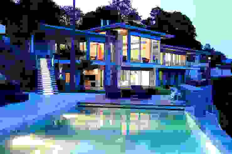 Facciata Balcone, Veranda & Terrazza in stile moderno di Aldo Rampazzi Studio di Architettura Moderno