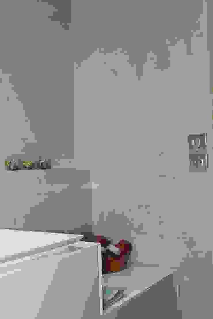 Salle de bain en béton ciré par Architecte d'interieur en Gironde Concept Deco Bordeaux Moderne