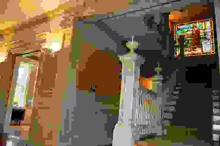 Hôtel particulier aux USA Couloir, entrée, escaliers coloniaux par LADD Colonial