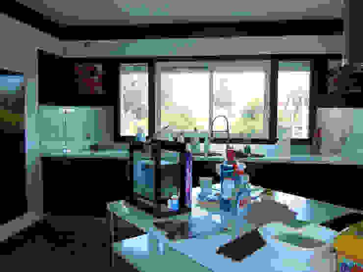 Résidence secondaire 300m² Cuisine moderne par LADD Moderne