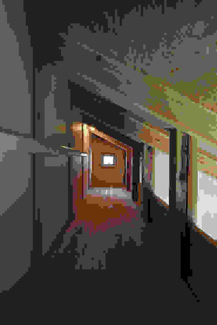 西宮北口の家 モダンスタイルの 玄関&廊下&階段 の 福田建築工房 モダン