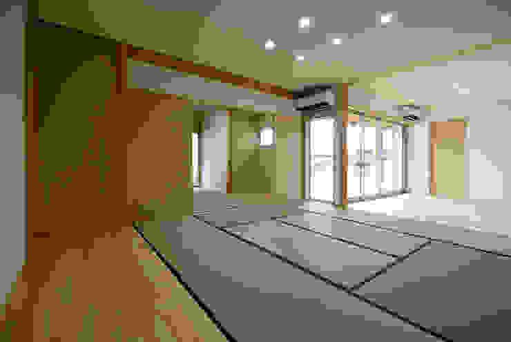 柳川の家 クラシックデザインの 多目的室 の アトリエ イデ 一級建築士事務所 クラシック