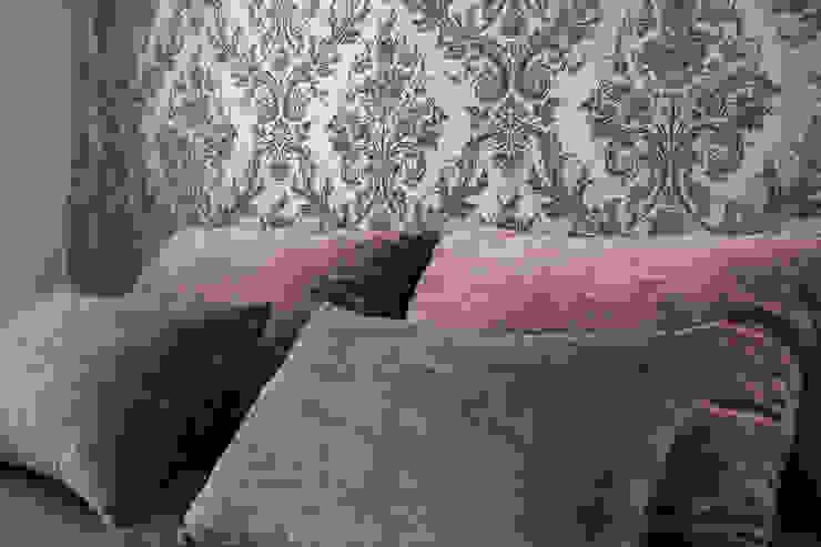 Vivienda Salou- Tarragona Blank Interiors Dormitorios de estilo clásico