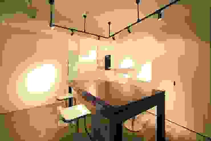 モダンな店舗スペース内観 モダンな商業空間 の TERAJIMA ARCHITECTS モダン