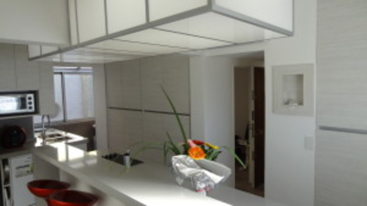 modern  by Villazala-Elias Arquitectos, Modern