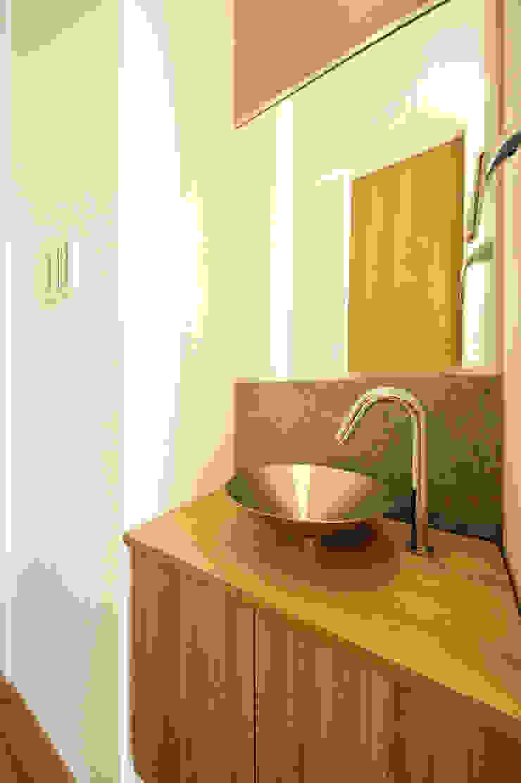 Salle de bain moderne par TERAJIMA ARCHITECTS Moderne