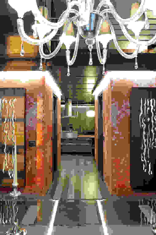 Italian Loft Ingresso, Corridoio & Scale in stile industriale di vemworks Industrial