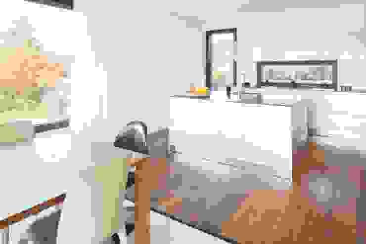 Modern Kitchen by Marty Häuser AG Modern