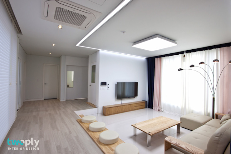 가족을 위한 단독주택 모던스타일 거실 by 디자인투플라이 모던