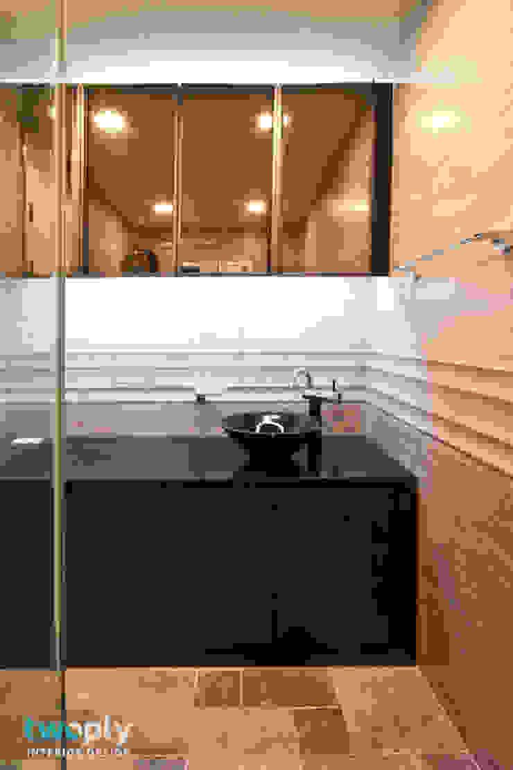 가족을 위한 단독주택 모던스타일 욕실 by 디자인투플라이 모던