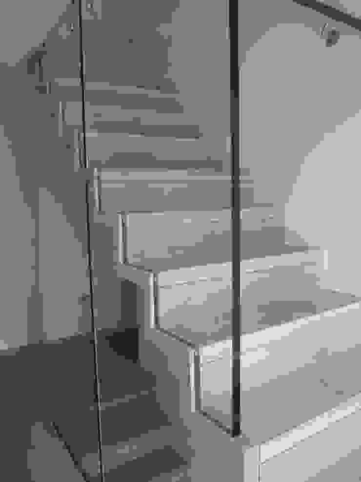 Falterktreppe mit Glasgeländer Siller Treppen/Stairs/Scale Treppe Holz Beige