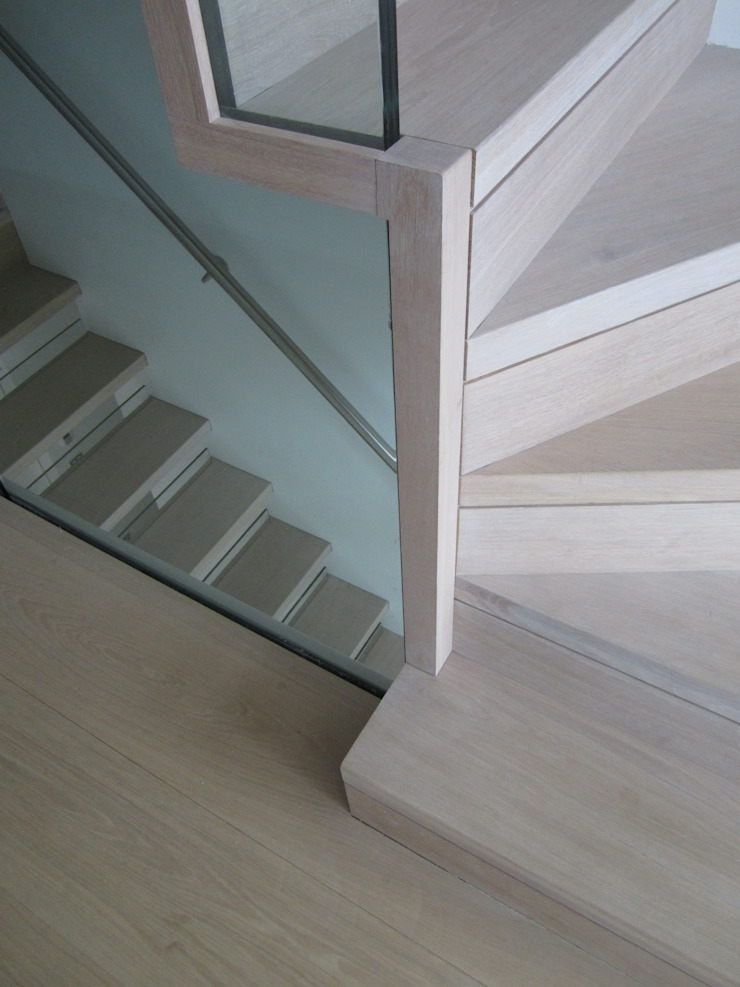 Detail am Antritt, Blende Siller Treppen/Stairs/Scale Treppe Holz Beige
