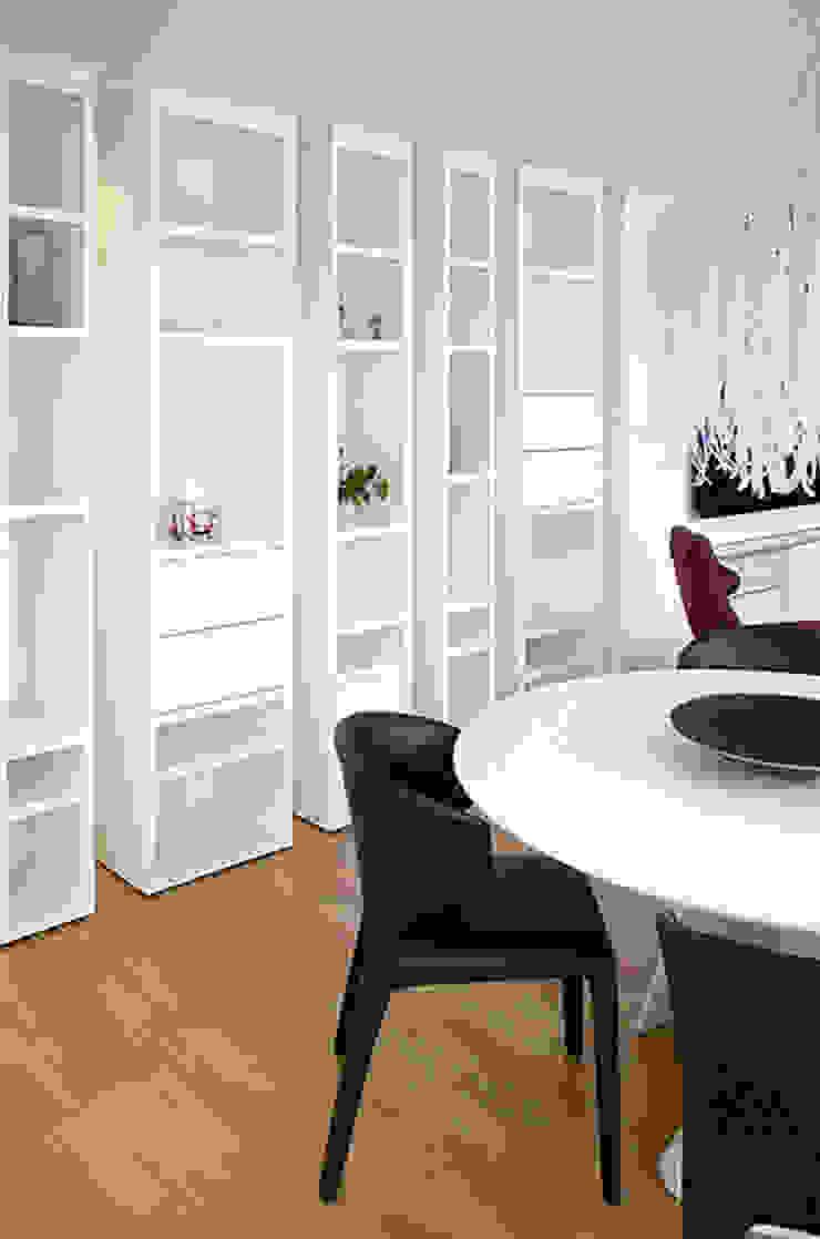 Chiralt Arquitectos Dining roomDressers & sideboards