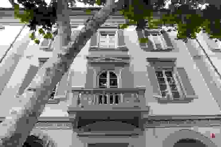 la facciata del palazzo archbcstudio Case classiche