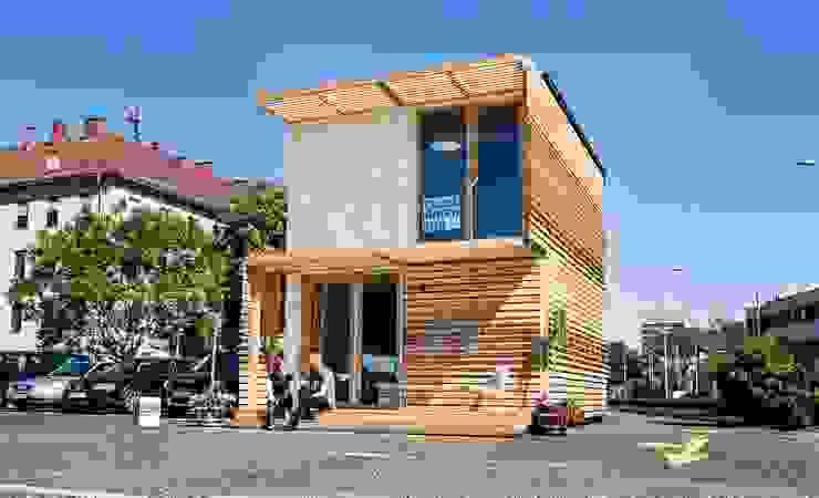 COMMOD-Haus Moderne Wohnzimmer von homify Modern