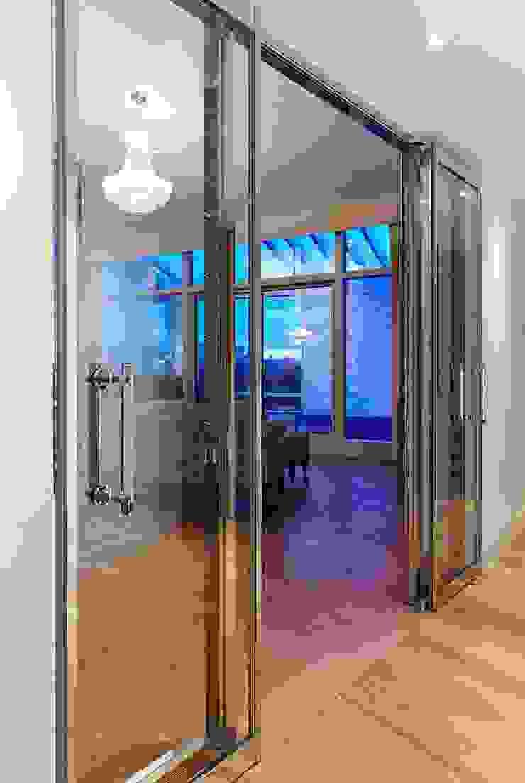 Penthouse Interior Design, River Thames, London Residence Interior Design Ltd Modern windows & doors