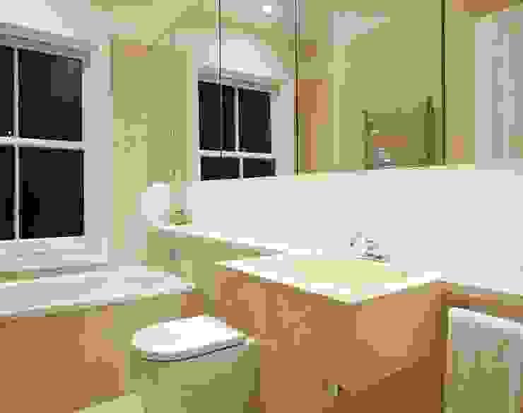 Baños de estilo  por Residence Interior Design Ltd, Escandinavo
