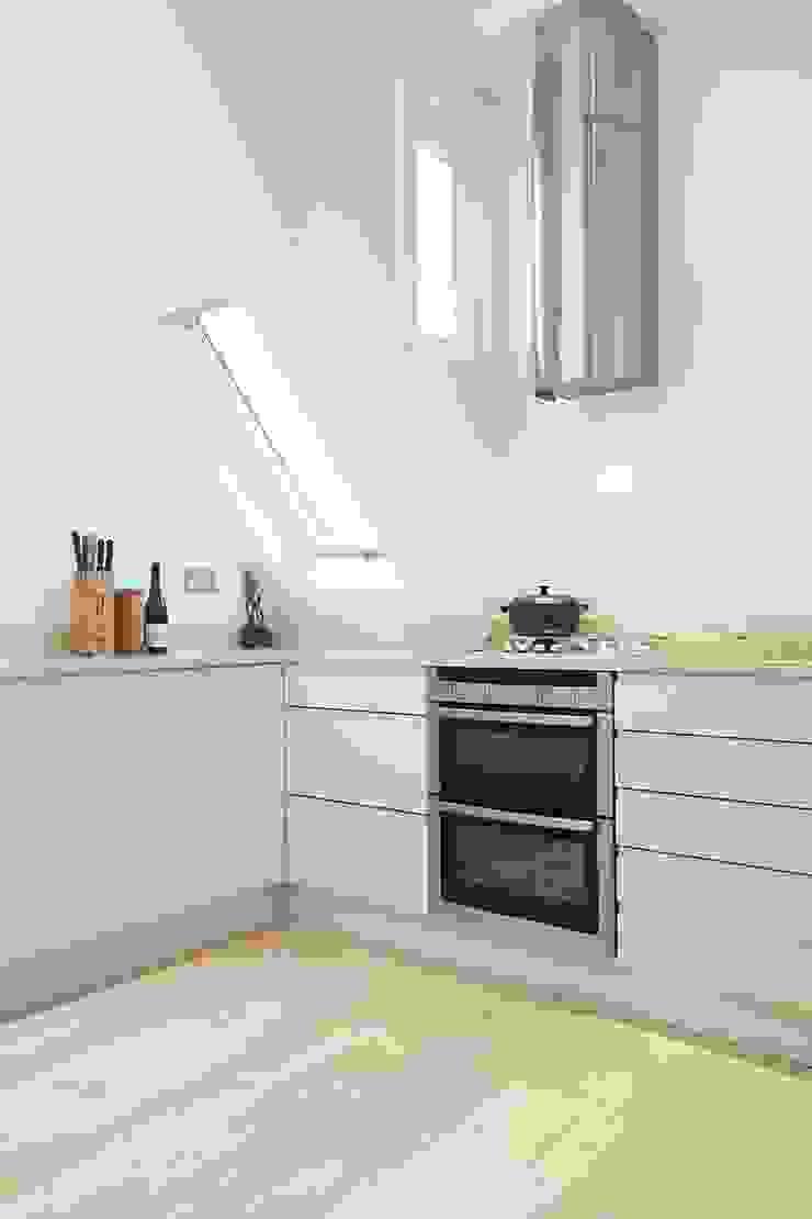 Parliament Hill Interior Design, Hampstead, London Scandinavian style kitchen by Residence Interior Design Ltd Scandinavian