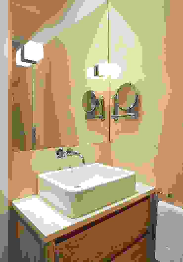Parliament Hill Interior Design, Hampstead, London Residence Interior Design Ltd Scandinavian style bathroom
