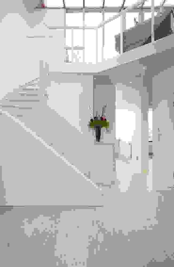 Parliament Hill Interior Design, Hampstead, London Residence Interior Design Ltd Scandinavian style corridor, hallway& stairs