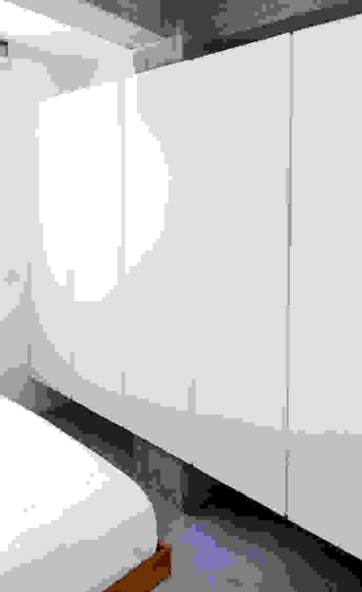 GRAZIANIDICEMBRINO CASA G+P 1 Case in stile minimalista di GRAZIANI & DICEMBRINO Minimalista