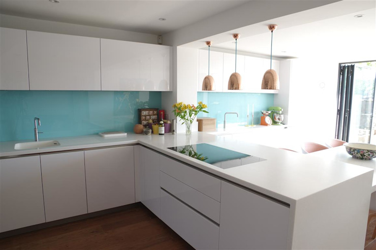 Handle less Polar white Glamour Modern kitchen by PTC Kitchens Modern