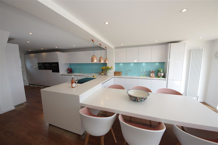 Handle less Polar white Glamour PTC Kitchens Kitchen