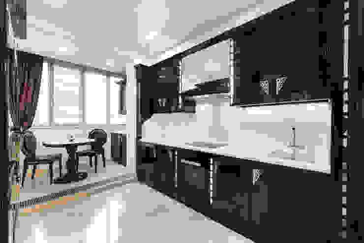Просетлённый ар-деко Кухня в классическом стиле от ММ-design Классический