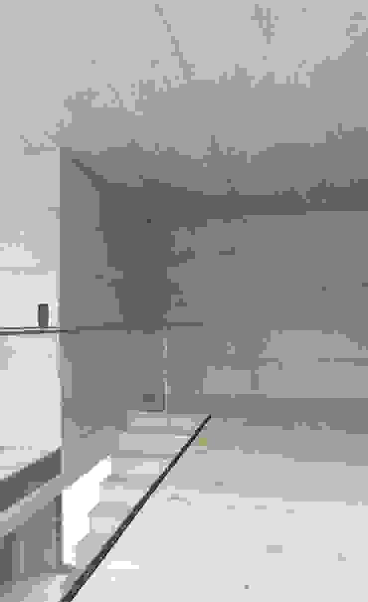 Sub & Add Marty Häuser AG Moderne Wände & Böden