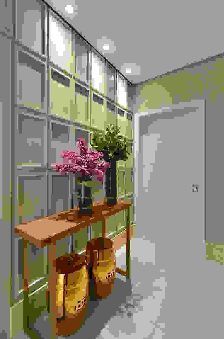 Hall S|R Salas de estar clássicas por Redecker + Sperb arquitetura e decoração Clássico