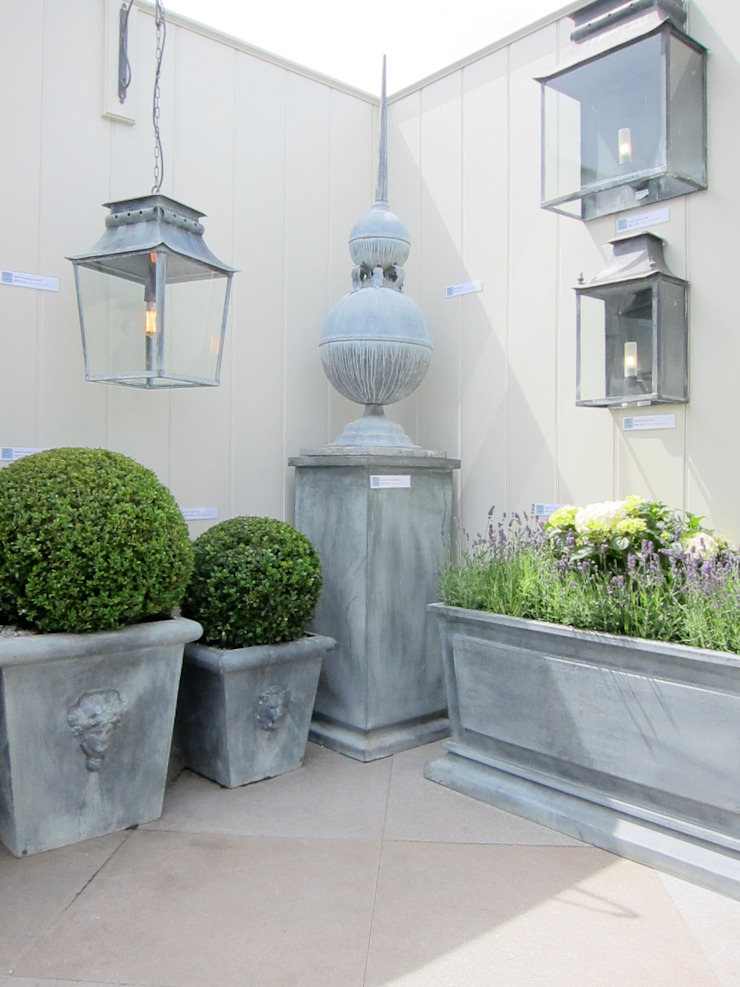 Outdoor Lighting, Planters & Decorative Objects de A Place In The Garden Ltd. Rústico