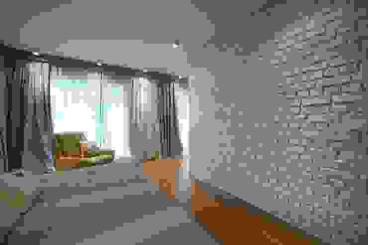 EO HOUSE: modern  by Esra Kazmirci Mimarlik, Modern