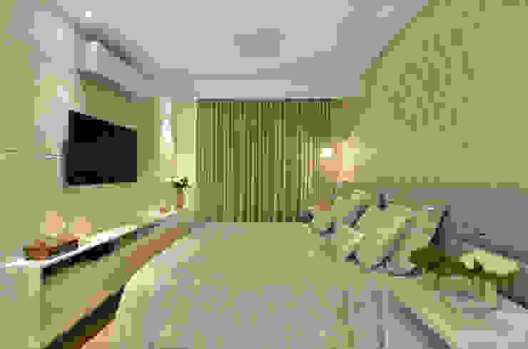 Dormitório S|R Quartos clássicos por Redecker + Sperb arquitetura e decoração Clássico