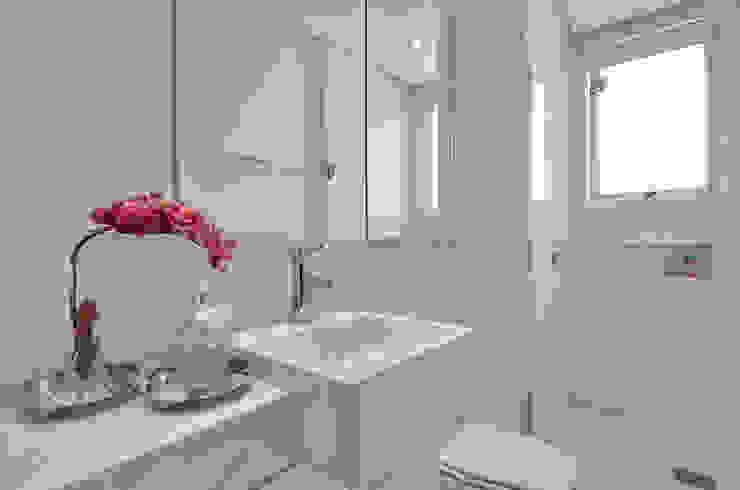Banheiro jovem S|R Banheiros clássicos por Redecker + Sperb arquitetura e decoração Clássico