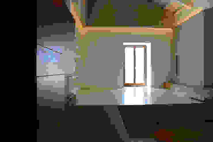 casa A&G di ellenia+tre architettura e ingegneria Moderno