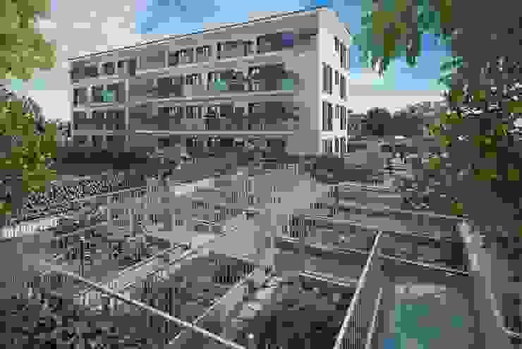 Vista dal giardino condominiale di Studio Guzzo & Partner Minimalista