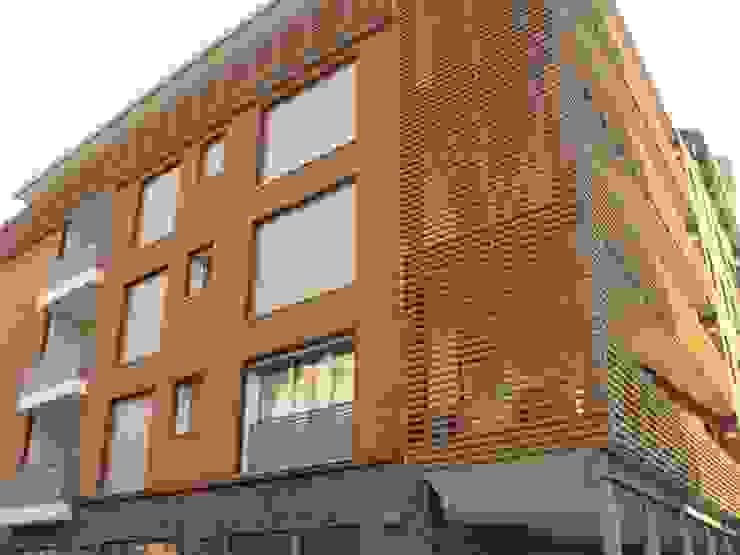 Edificio residenziale via Carducci, 8 Cinisello B.mo di Studio Guzzo & Partner Minimalista