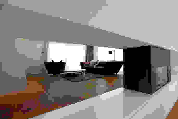 Villa in Köln-Junkersdorf von archicraft Klassisch