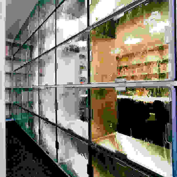 スクリーン詳細 の Yoshiharu Shimazaki Architect Studio,INC モダン