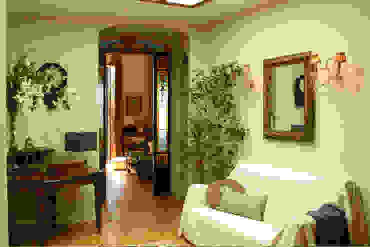 LIVE PROPERTIES:MAGNÍFICO PISO EN PALMA Casas de estilo mediterráneo de LIVE PROPERTIES Mediterráneo