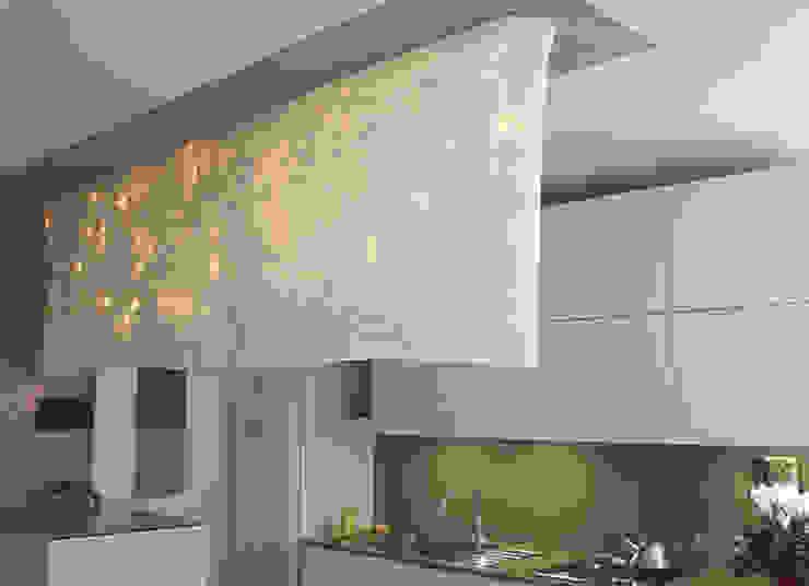 Wall partition lamp made of silk chiffon di Judith Byberg Scandinavo