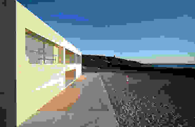 Modern balcony, veranda & terrace by Alberto Campo Baeza Modern
