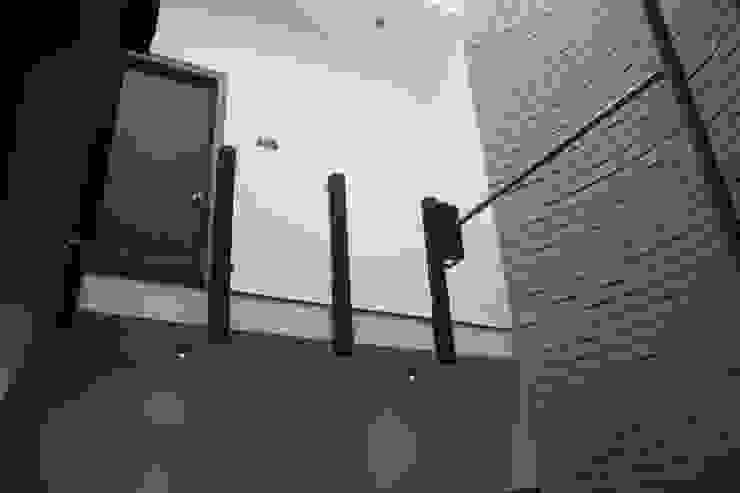 Shane Solomon Residence Houses by Ashwin Architects