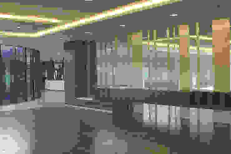 Holmes Place, Linz Moderner Fitnessraum von SEHW Architektur GmbH Modern
