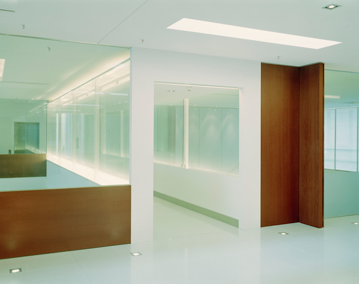 Erschließungsflächen Moderner Fitnessraum von SEHW Architektur GmbH Modern