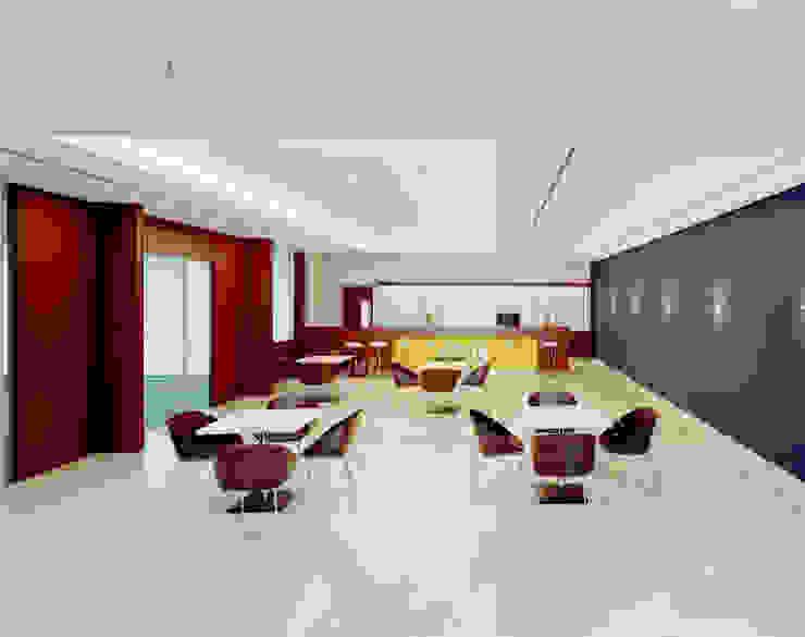Cafeteria Moderner Fitnessraum von SEHW Architektur GmbH Modern