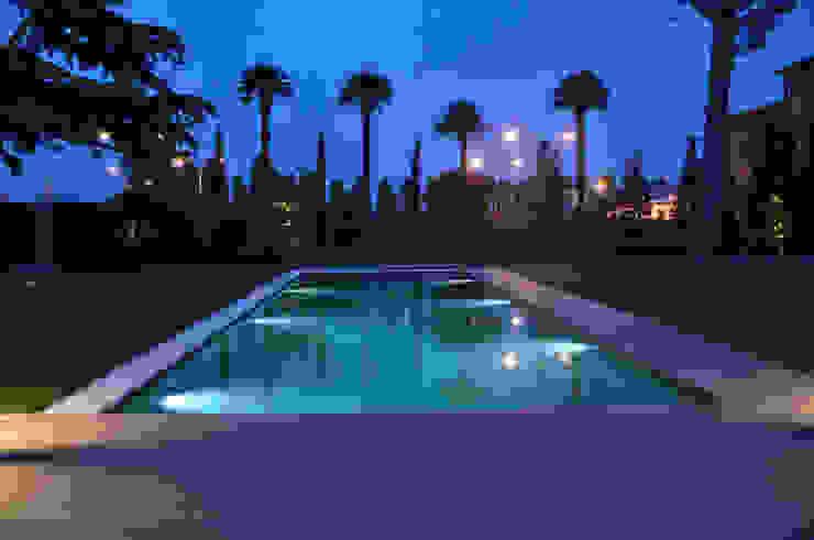 Jardines de estilo moderno de MONTRESOR & ARDUINI Moderno